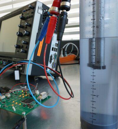 Messelektronik für konduktiven Füllstandsensor